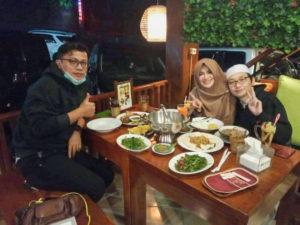 ワワンさん&妻と、Bumi Akiにて